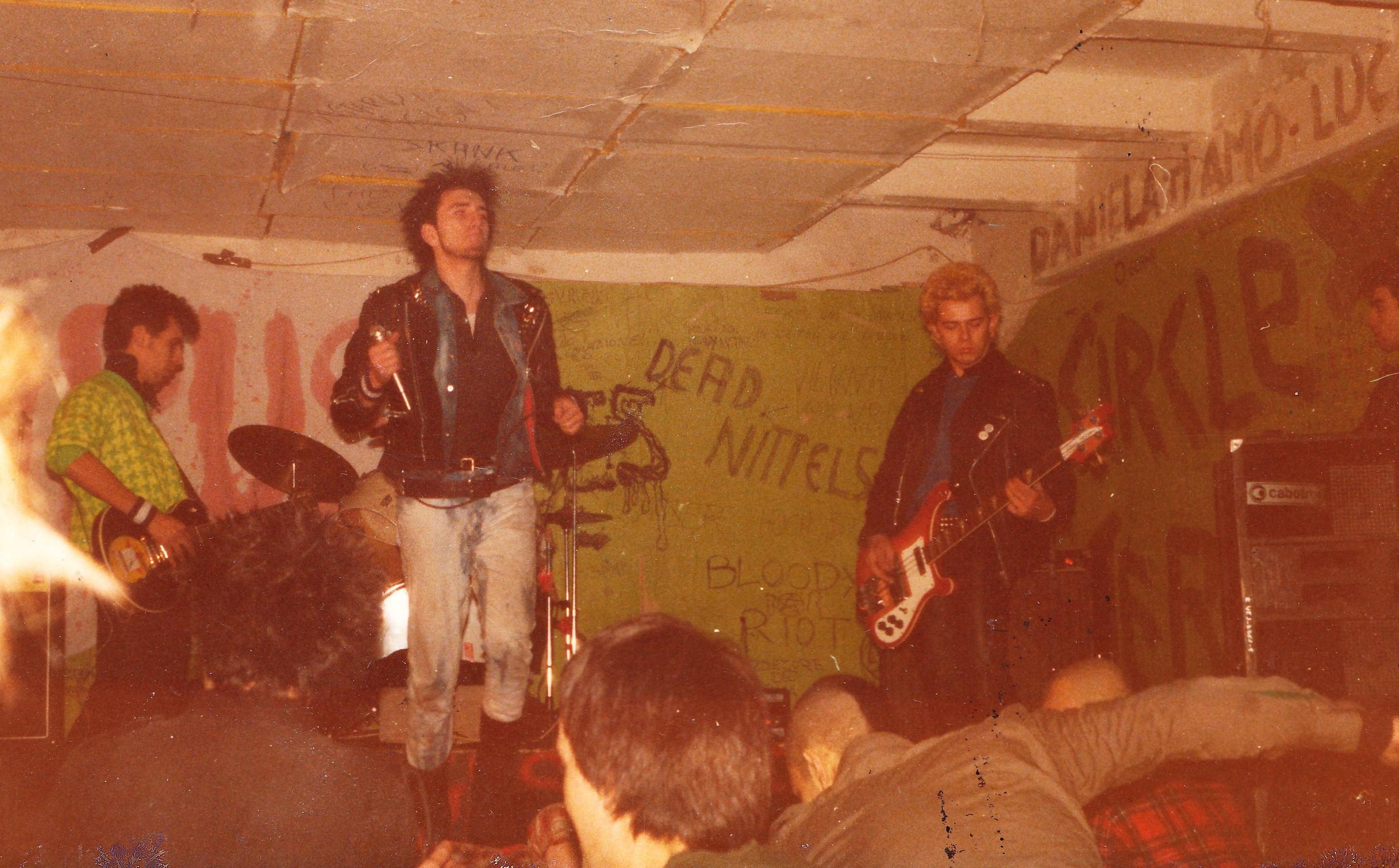 Anno 1985, Suoni Oscuri della Libertà